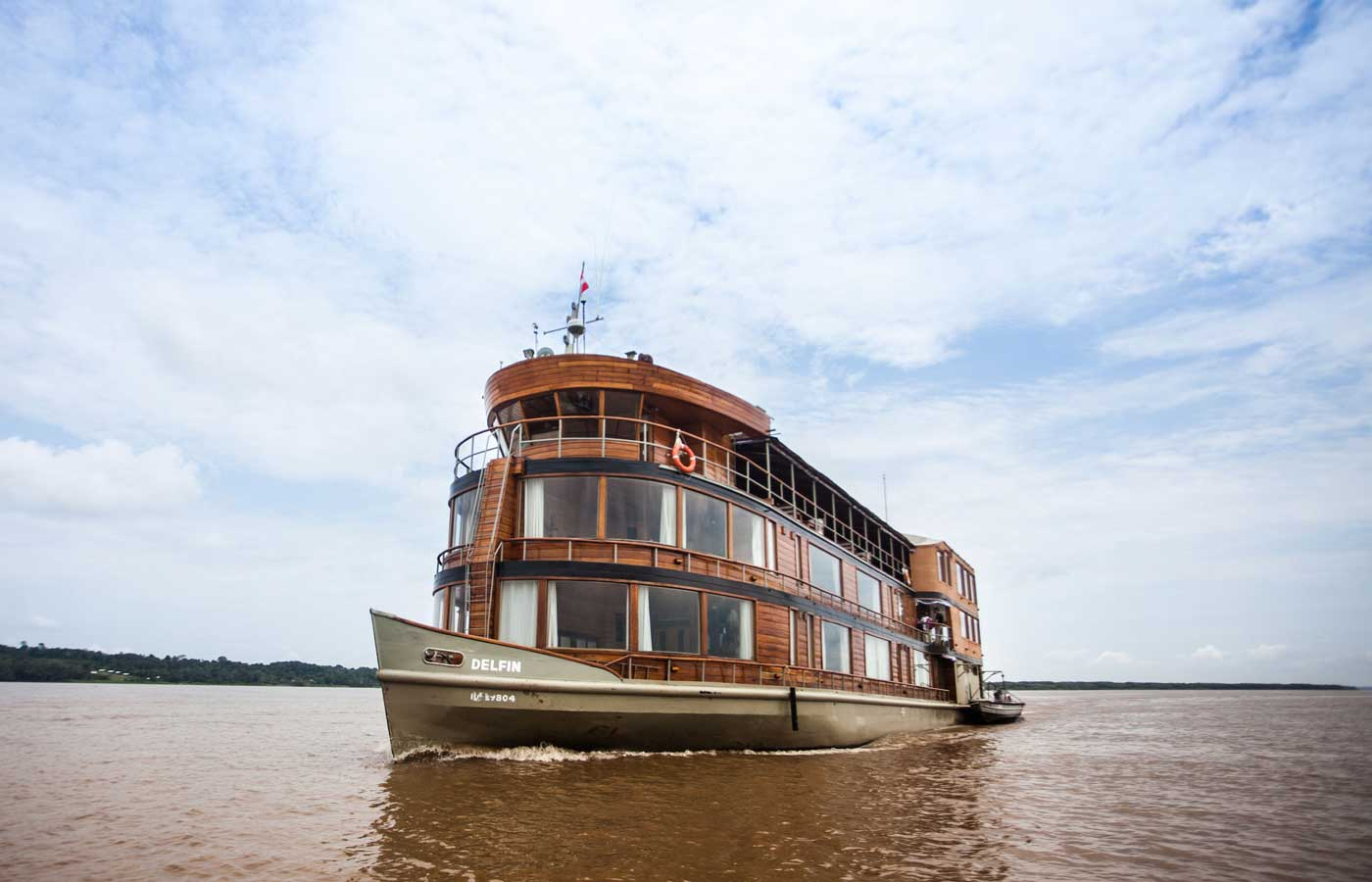 Delfin Amazon cruise