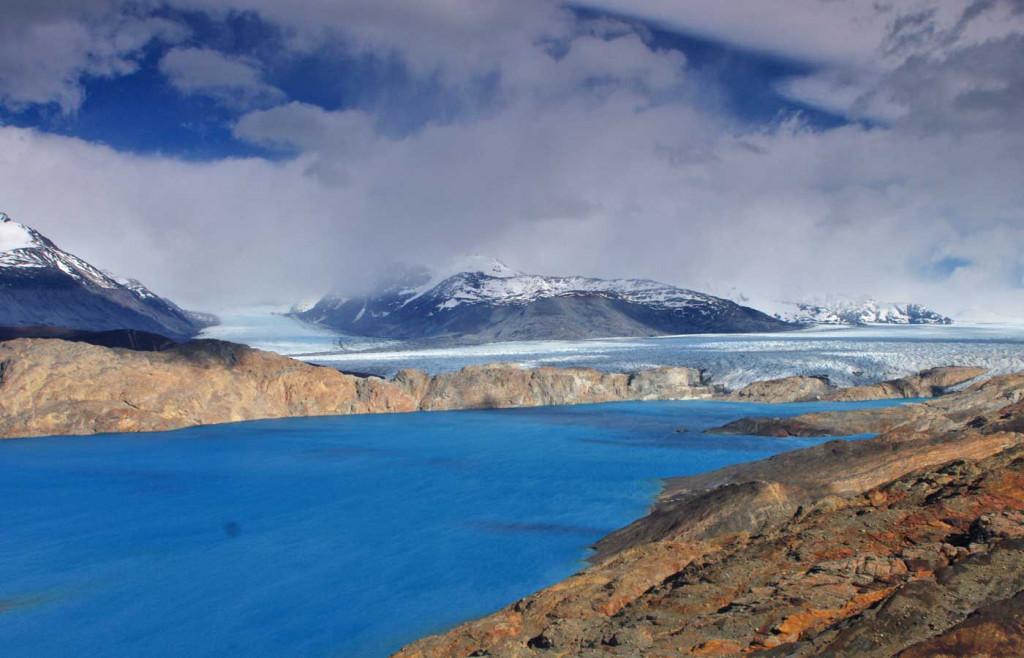 Mountain-and-lake nearby Estancia Cristina, Patagonia, Argentina