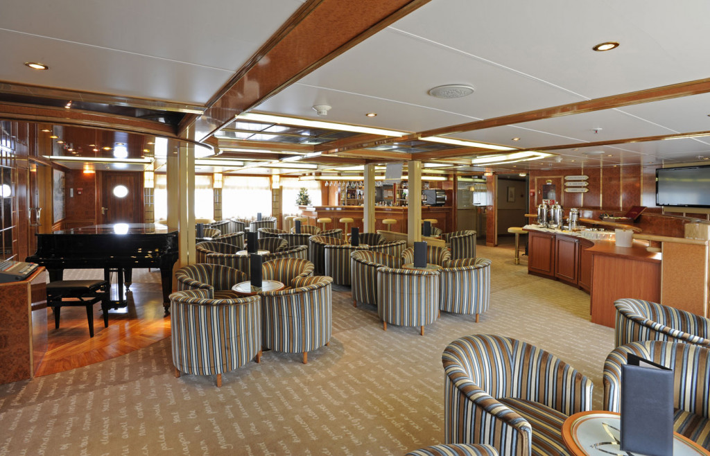 The stylish lounge bar aboard the luxury ship Island Sky
