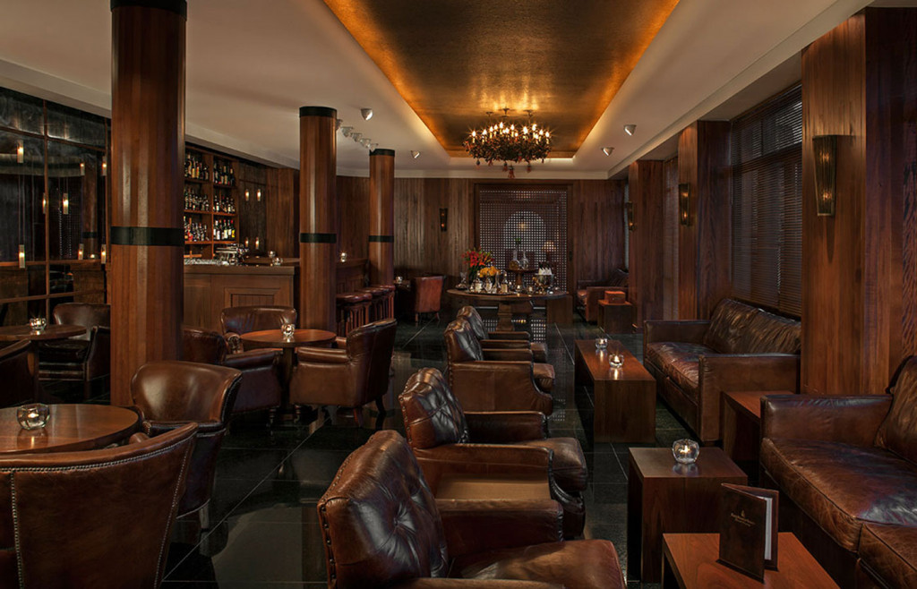 The cosy bar space offers a relaxing ambience to enjoy a sophisticated cocktail
