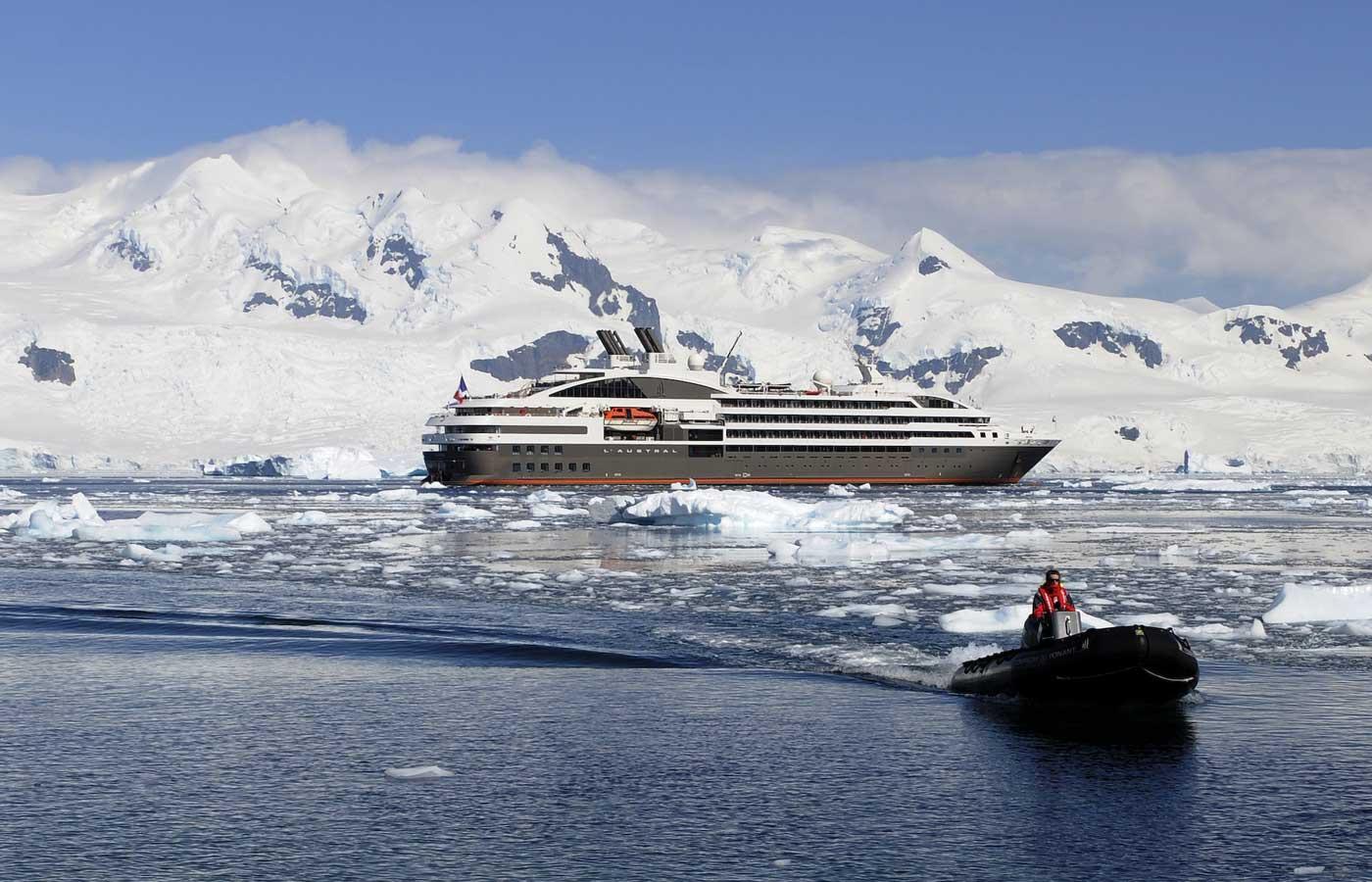 Luxury Ponant Ship-cruise-and-zodiac--Antarctica Cruise