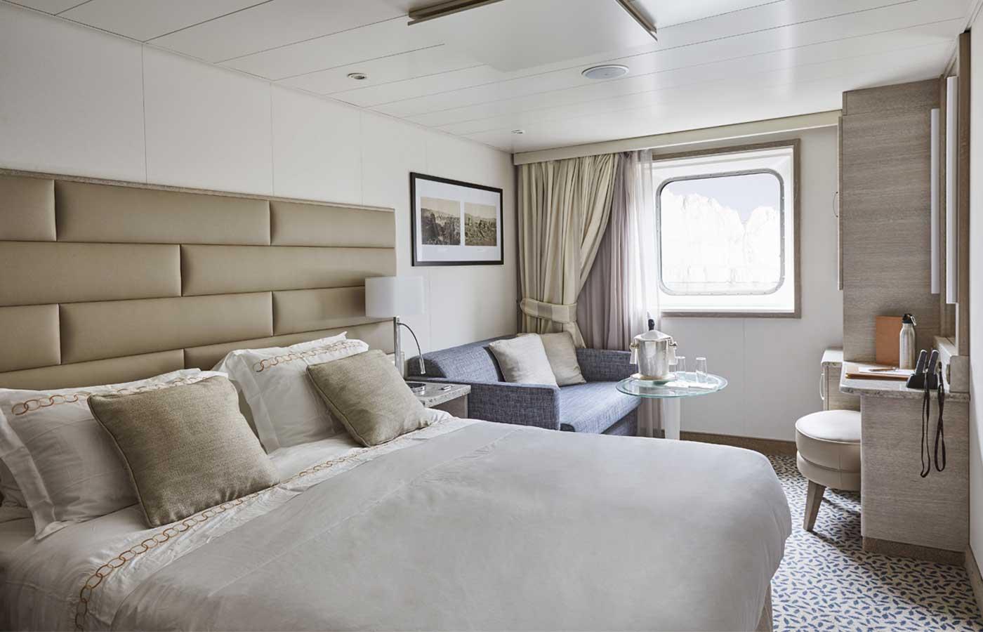 Explorer Suite, Silver Explorer -Antarctica Cruise