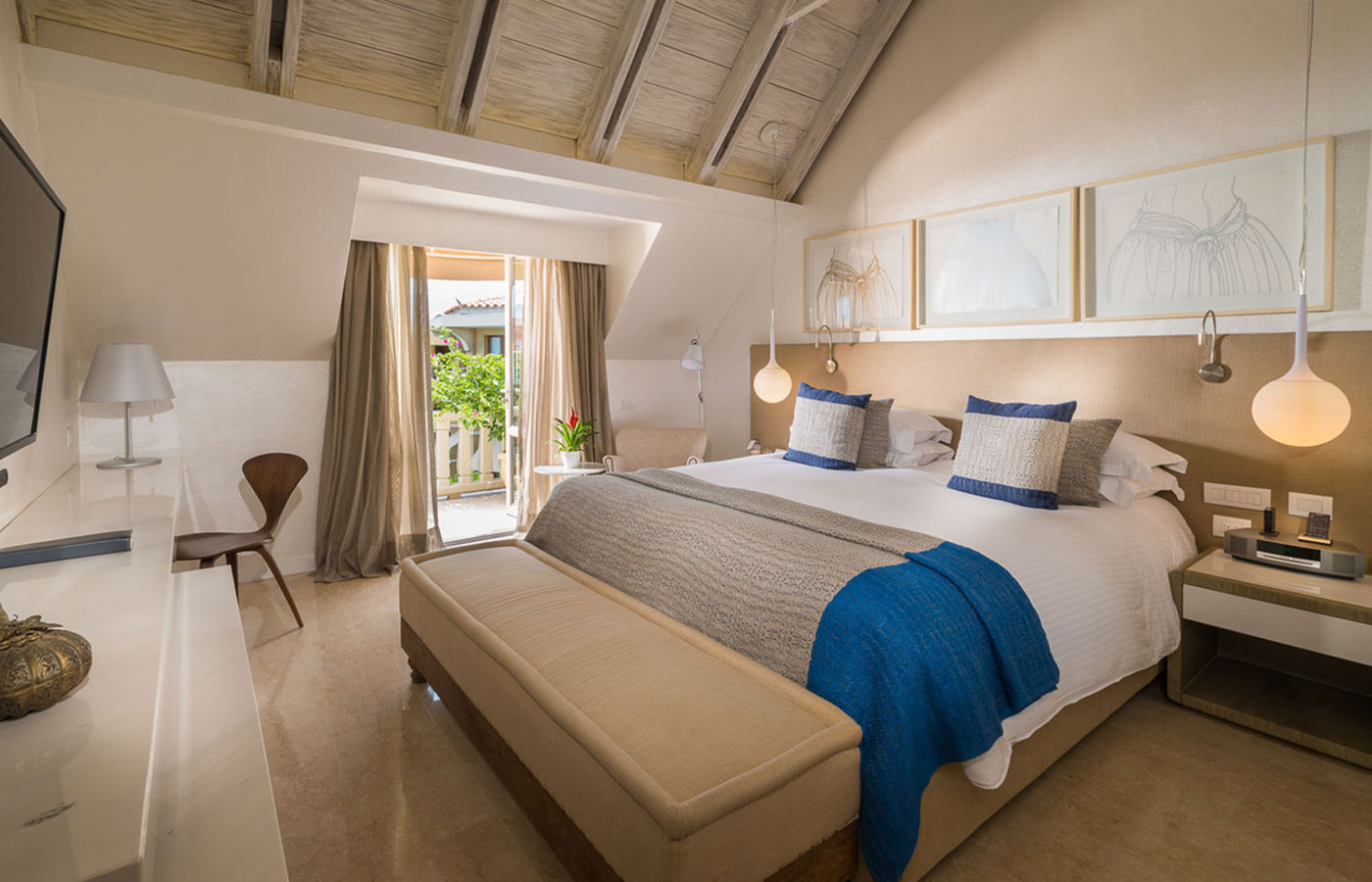 A light and luxurious room at the Sofitel Cartagena