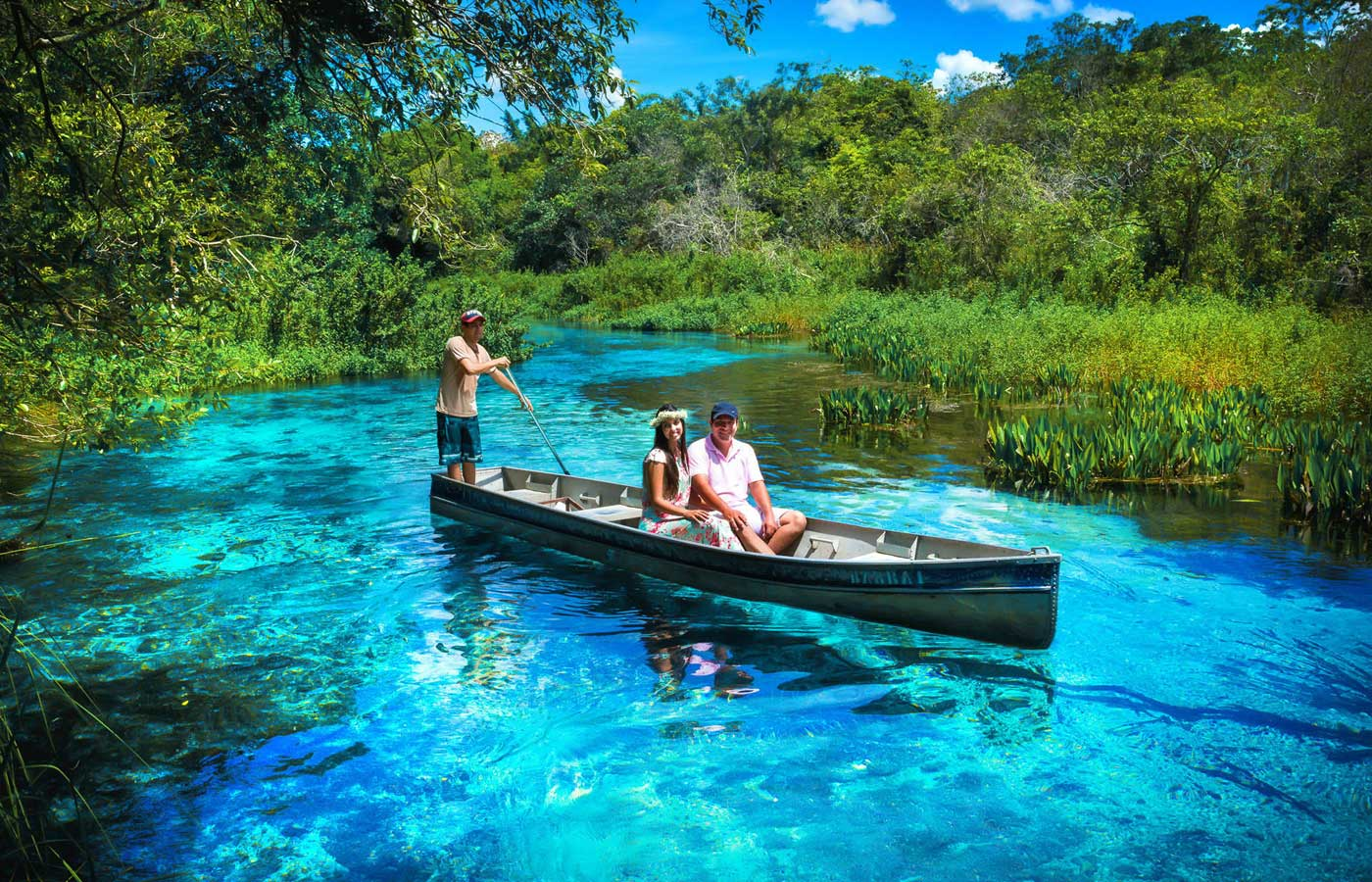 Boat tour at the blue turquoise Sucuri River in Bonito, Brazil