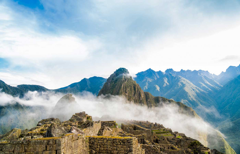The mountain trail of Huayna Picchu
