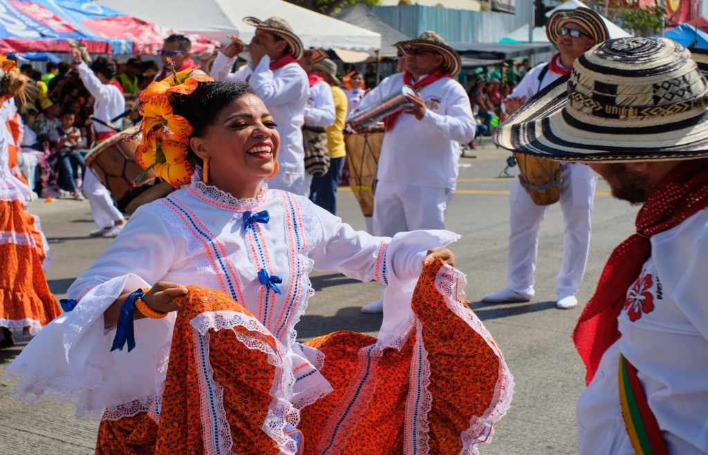 Dancers in the Barranquilla Carnival, visit Barranquilla - Holidays to Colombia