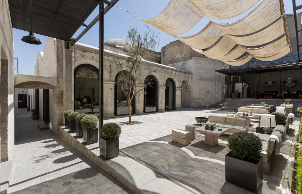 The stylish patio of CIRQA Arequipa
