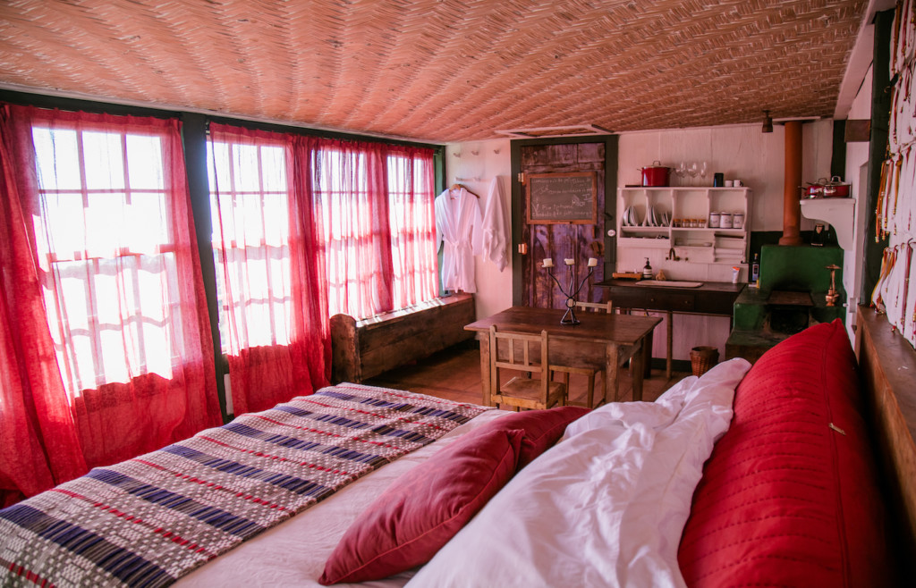 A room in one of the Remote Ibitipoca residences